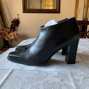 Nine West 7.5 leather Booties. Made in Brazil. New